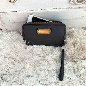 Marc Jacobs Grey Leather Tech Zip Around Wallet